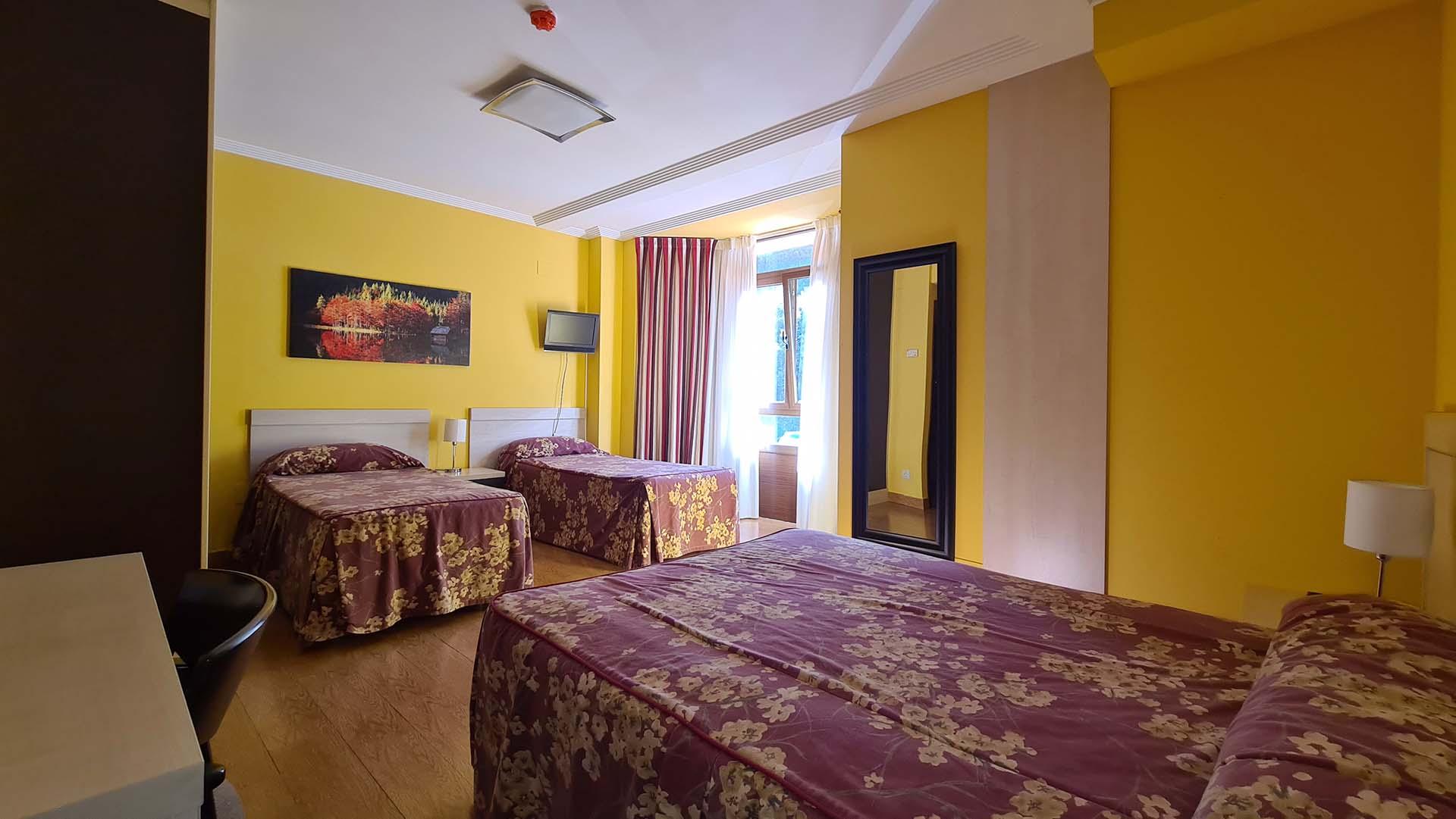 Hotel Restaurante Arenillas - Habitacion Triple